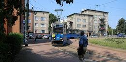 Latem wożą krakowian starymi tramwajami