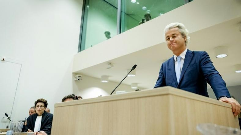Dutch member of Parliament Geert Wilders (C), of the far-right Freedom Party (PVV), speaks in the courthouse of Schiphol, the Netherlands, on November 23, 2016, during the last day of his hate speech trial