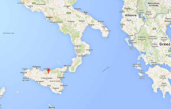 Ganđi se nalazi u centralnom delu Sicilije (+)