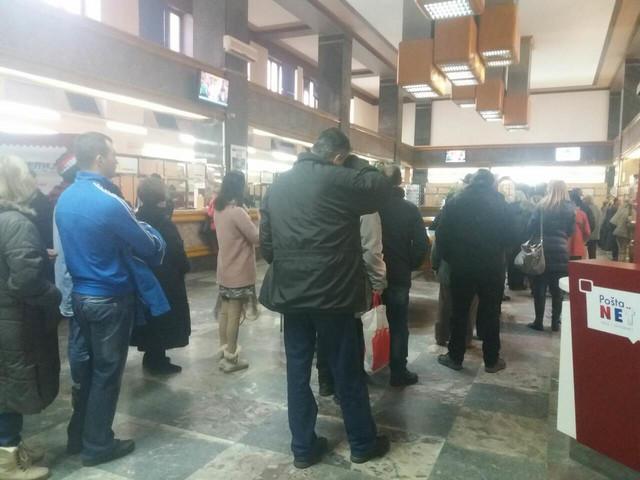 Čekanje u pošti