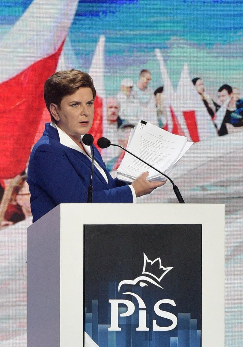 Szydło: Skandal! Polski rząd oszukał grupę Wyszechradzką