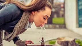 W Londynie i Warszawie nie będzie trzeba kupować wody! Miasta planują zainwestować w fontanny