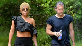 Wystrojona Lady Gaga na randce w... lesie