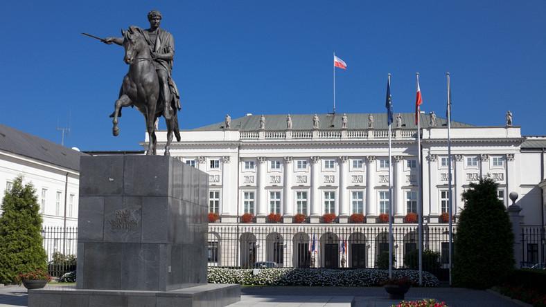 Kancelaria Prezydenta to drużyna do walki z rządem