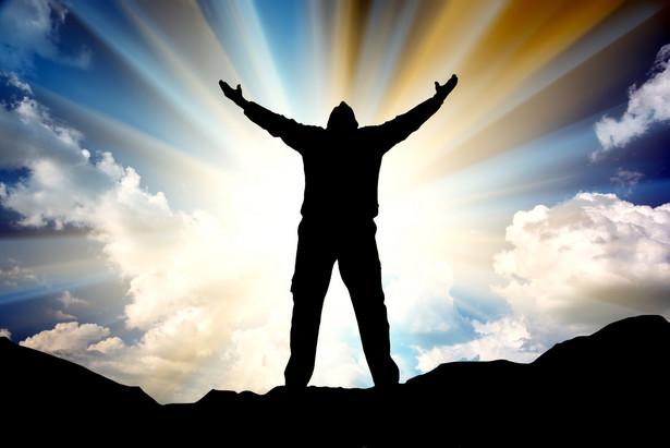 Megaloman? A może urodzony wojownik, jak wielu przed nim, którzy dzięki pracy, ale także wierze w siebie, nieustępliwości, odnieśli sukces.