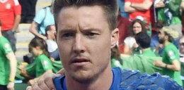 Piłkarz wykonał nazistowski gest. Polacy zapraszają go do Auschwitz