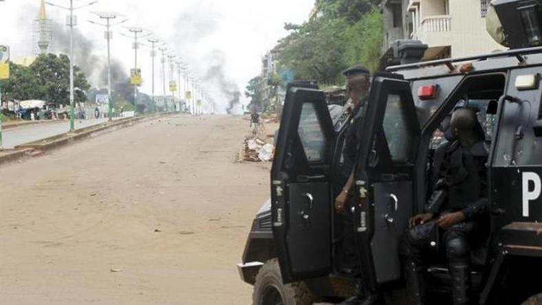 Guinea police fire teargas at protesters in capital