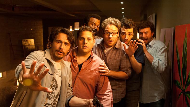 Szalona apokaliptyczna komedia w reżyserii Evana Goldberga i Setha Rogena, która odniosła w Stanach Zjednoczonych niespodziewany sukces. W związku z tym wprowadzano ją do tamtejszych kin... dwukrotnie