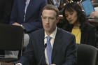 """""""VAŠ UGOVOR JE KRŠ"""" Kako se šef Fejsbuka izvlačio pred Kongresom i PREĆUTAO KLJUČNE STVARI"""