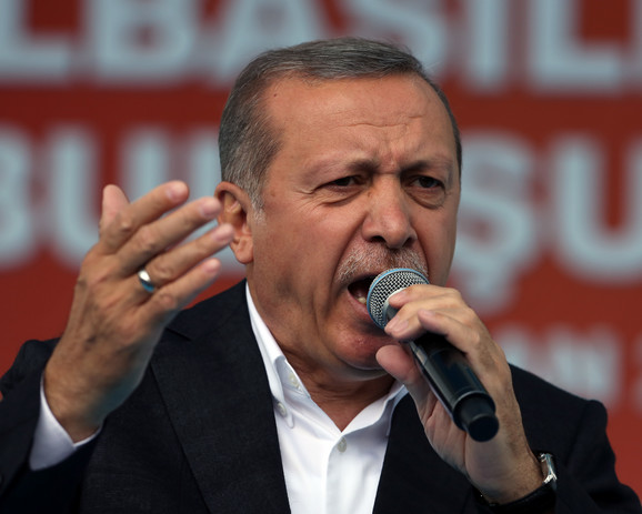 Izdajnici će platiti visoku cenu: Erdogan