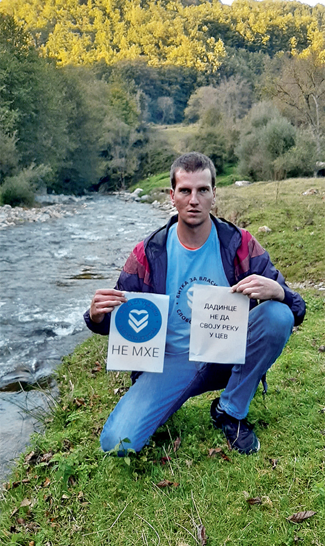 NIS06 Mestani sela Dadince prave straze i obilaze Rupsku reku jer se protive izgradnji jos jedne MHE foto Bojan Kostic