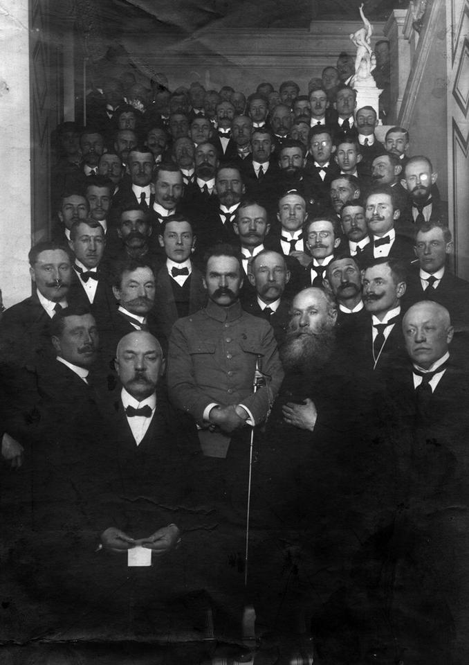 Warszawa, 1917. Tymczasowa Rada Stanu przyjmująca delegację Centralnego Komitetu Narodowego