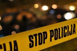 MUŠKARAC PRONAĐEN KRVAV U SNEGU Pretukli ga i izrešetali, pa ga izbacili iz automobila u blizini Hitne pomoći, slučajno ga pronašli policajci