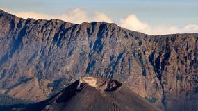 Po wybuchu wulkanu turyści nie chcą dać się ewakuować. Chowają się przed ratownikami i policją