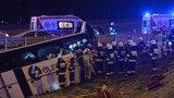 Wypadek autokaru w Kaszycach. Jedna osoba nie żyje