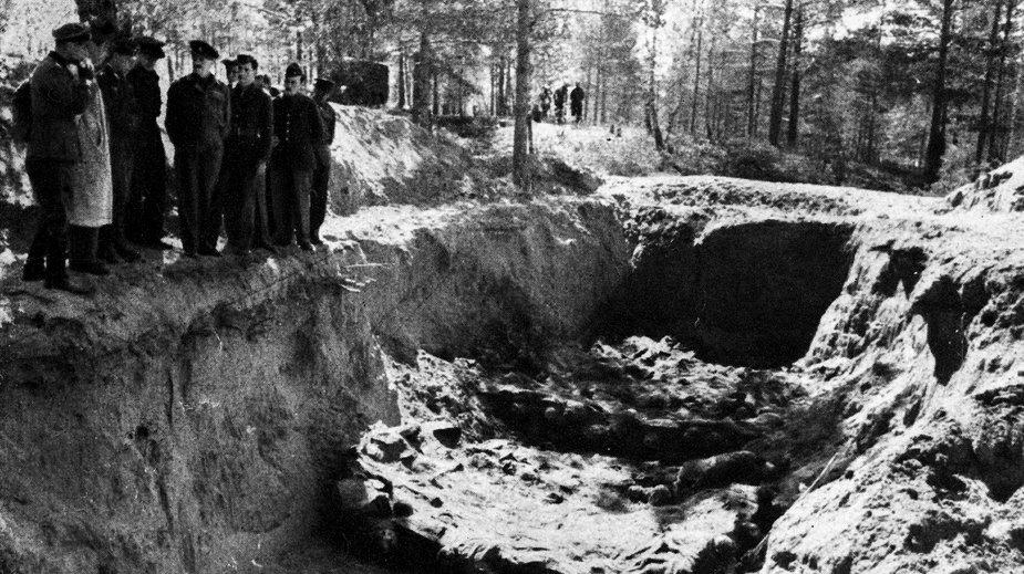 Ekshumacja zwłok polskich oficerów zamordowanych w Katyniu w 1940 r.