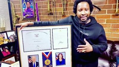 Sonnie Badu receives Lifetime Achievement Award from Joe Biden
