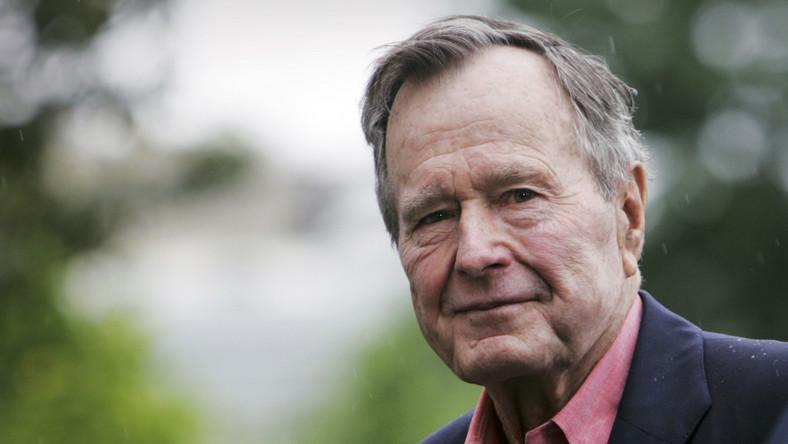 Bush senior wciąż w szpitalu, ale jego stan się poprawia