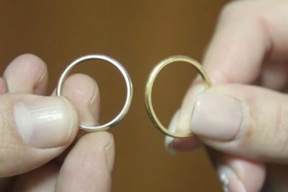 Od 7. maja do sada sklopljeno je više od 1.000 brakova