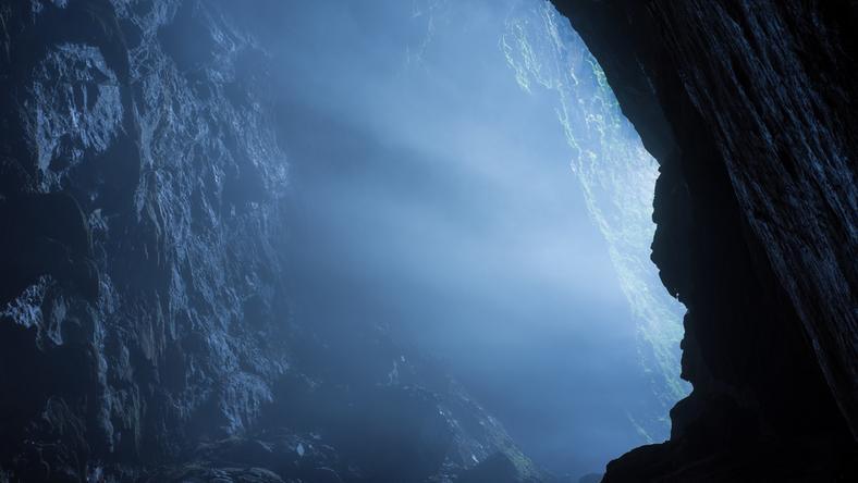 Zniknięcie Kennyego Veacha. Poszedł do tajemniczej jaskini