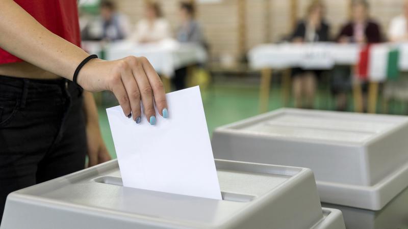 Az önkormányzati, és nemzetiségi választásokat is október 13-án tartják / Fotó : MTI Mohai Balázs