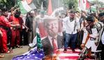 """""""BRANIĆEMO JERUSALIM KRVLJU"""" U Indoneziji ponovo protesti, pale TRAMPOVU SLIKU"""