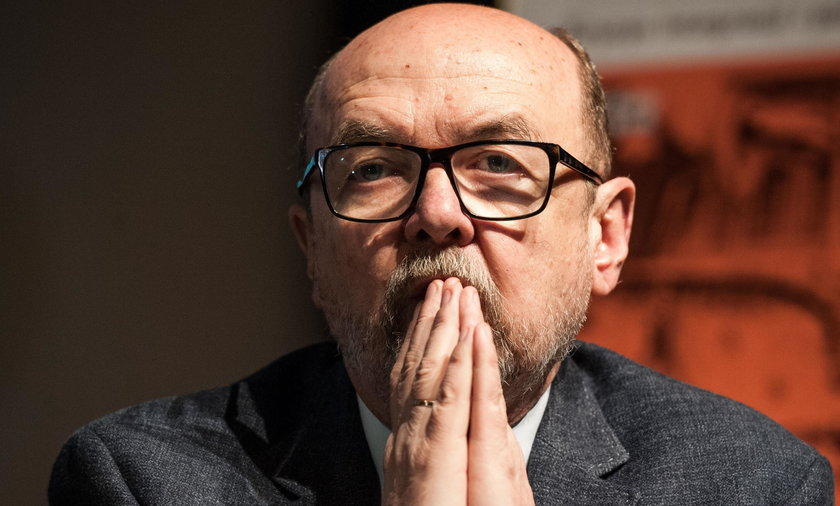 """Seksskandal w Brukseli. Ważny polityk PiS mówi o drugim dnie afery. """"Brutalna, wstrętna zagrywka"""""""