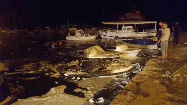 izgoreli brodovi makarska