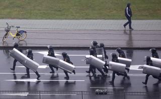 MSW Białorusi ostrzega: W razie potrzeby będzie używana broń palna