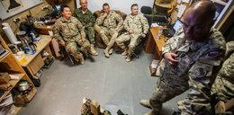 Żołnierze pokazali dzieciom karabiny. FAKT to widział