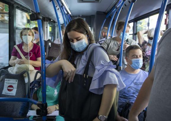 Maske u javnom prevozu su obavezne
