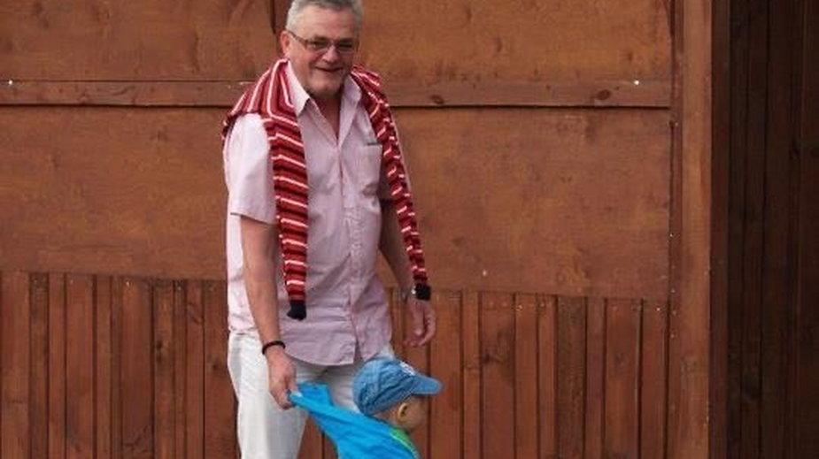 Ojciec Kariny, na zdjęciu z wnukiem, fot. archiwum prywatne