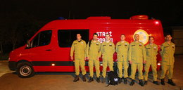 Strażacy z Łodzi z psami polecieli na ratunek mieszkańcom Nepalu