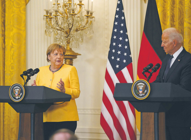 Merkel nie zdecyduje się na pakt z Bidenem przeciw Chinom; nie wierzy, że Europa może się Pekinowi postawić