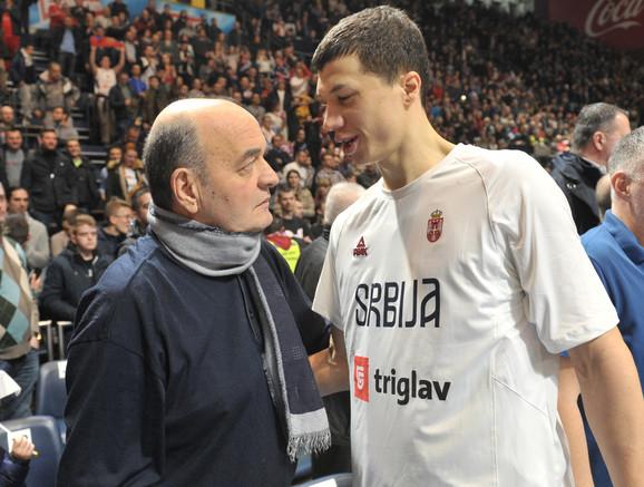 Duško Vujošević u razgovoru sa Vladimirom Lučićem
