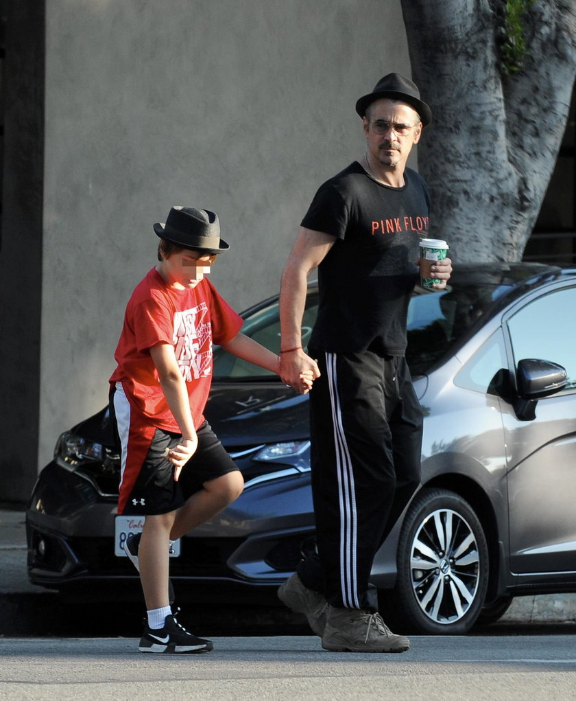 Colin Farrell na spacerze z synem w Los Angeles