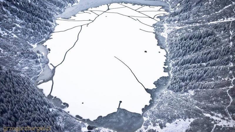 Morskie Oko skute lodem