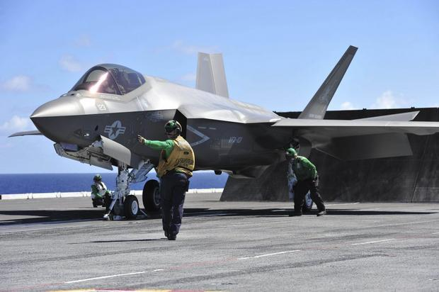 57 nowych samolotów wielozadaniowych F-35 JSF to wydatek 8,75 miliarda dolarów