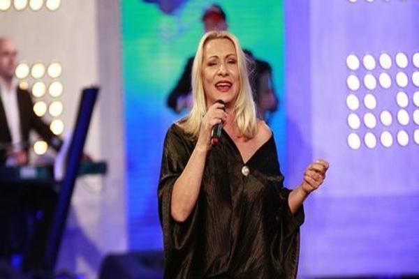 Vesna Zmijanac: Lea, kako misliš da sam velika?