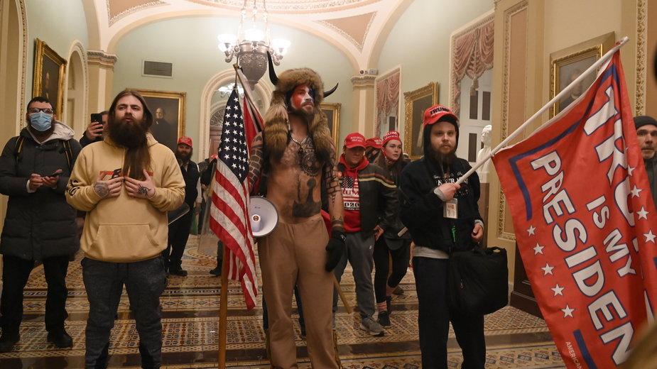 Uczestnicy zamieszek w Kapitolu