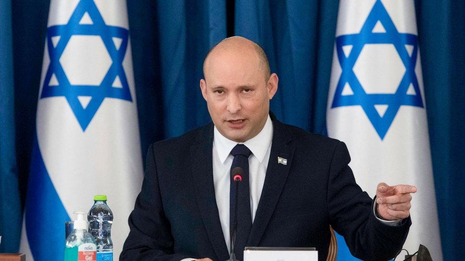 Naftali Bennett, szef izraelskiego rządu, podczas konferencji prasowej