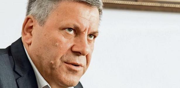 """Wydział prasowy Ministerstwa Gospodarki odpowiedział nam, że """"wicepremier Janusz Piechociński jest właścicielem kont na portalach społecznościowych, które sam prowadzi. Samodzielnie również tworzy listy swoich odbiorców, z którymi się kontaktuje i wymienia opinie""""."""