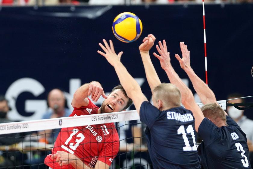 Przed polskimi siatkarzami kolejny mecz o być albo nie być w mistrzostwach Europy, ale tym razem są o krok od strefy medalowej i mogą odkuć się za brak medalu olimpijskiego w Tokio.