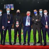 """Sastali se Srbi, Italijani i svi drugi! Svako ima svoj fazon, šta maske članova """"fudbalskog krema"""" govore o njima"""