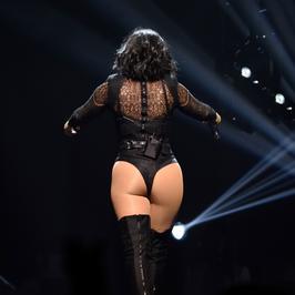 Demi Lovato coraz odważniejsza na koncertach