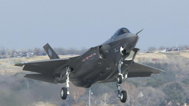 Amerykańskie myśliwce i transportowce mają stacjonować w Polsce