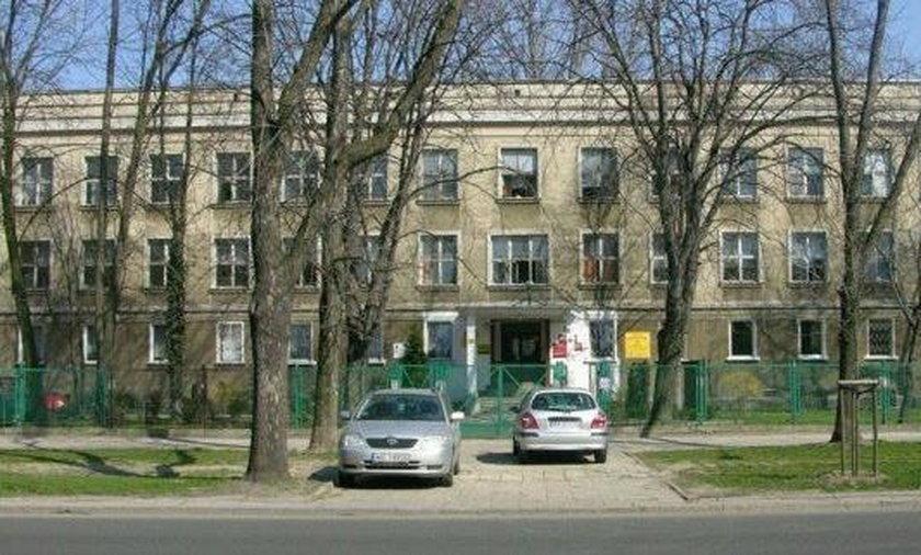 Seria zasłabnięć w warszawskiej szkole