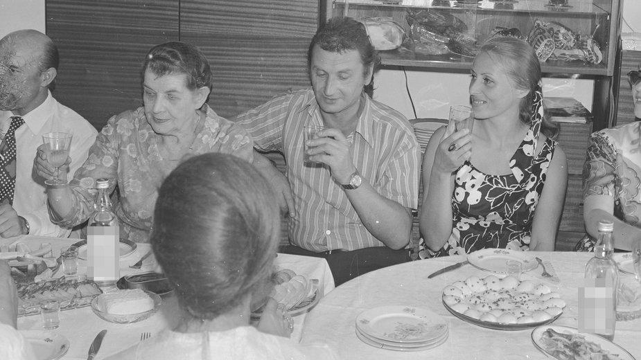 Domowe przyjęcie w mieszkaniu w Warszawie, lata 70-te