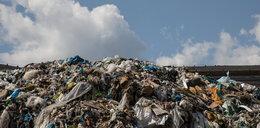 12-latka zaczęła rodzić na wysypisku śmieci