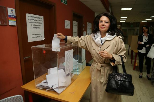 Sanda Raskovic na biralištu